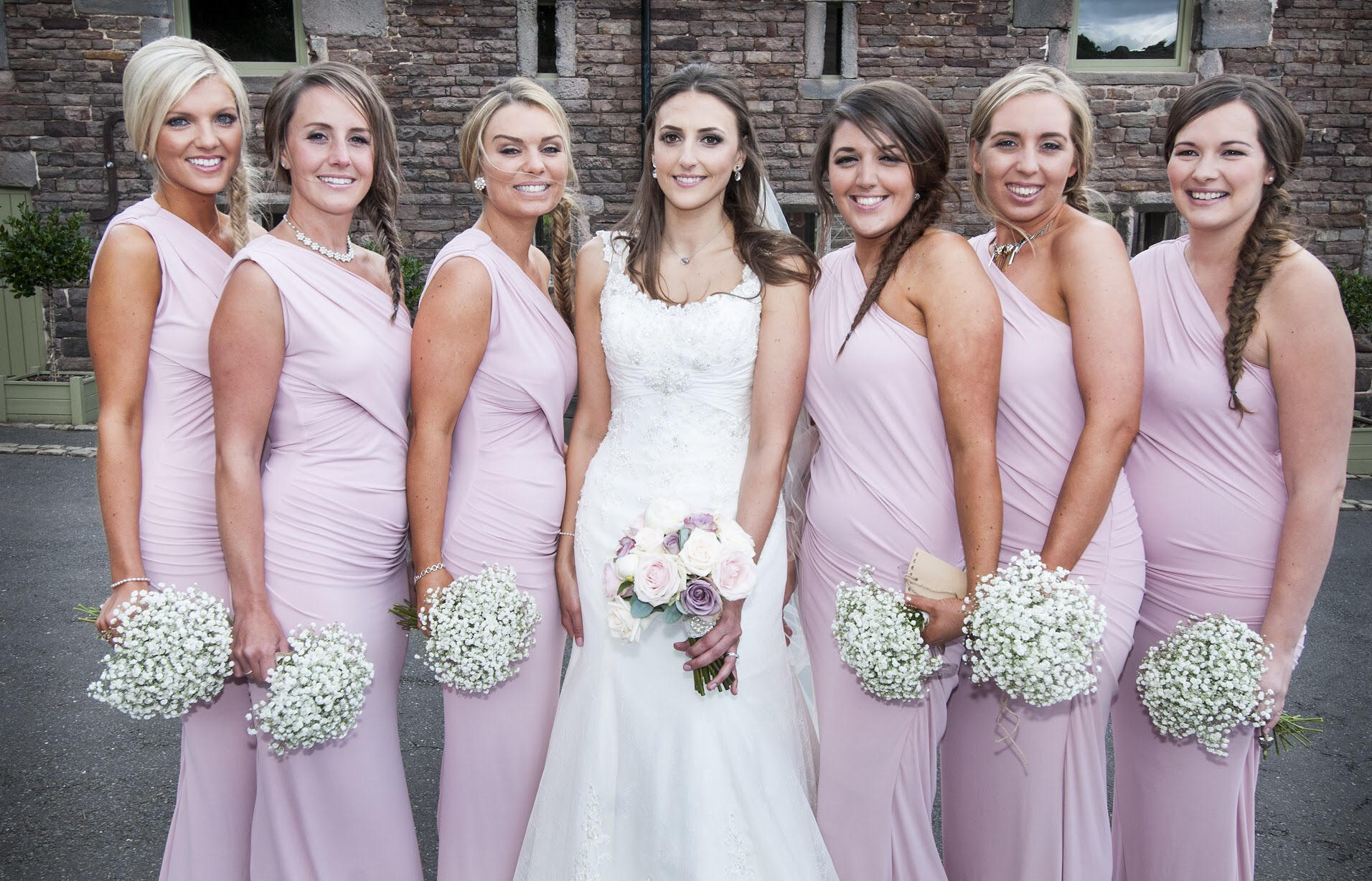 How to choose the right Makeup Artist for your wedding day ...